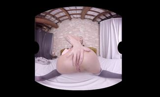 Rachele Richey Winter Is Cuming for Virtual Real Porn