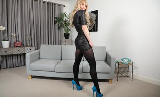 Pippa Doll – Blue Heels