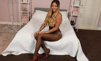 Natalia Forrest in Sexy Pantyhose