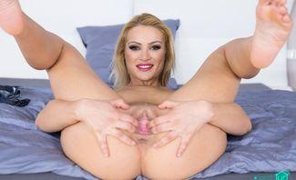 Brothel Visit in VR Porn - Cherry Kiss