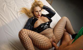 Black Canary A XXX Parody - Angel Wicky