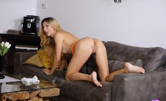 Beautiful Blonde Tries Fingering - Shona River