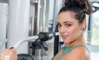 CUMpound Exercises - Zoey Foxx