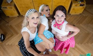 Retro Photo Session - Amanda Hill, Amy Pink, Lola Myluv