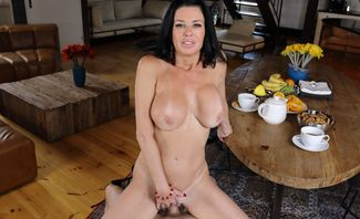 Tea And Squirt Time With Mom