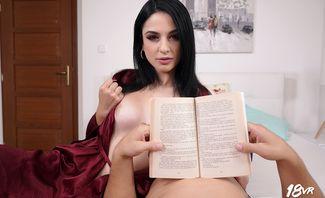 Mia Tracy Read the Room