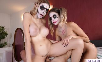 Trick Or Treat Starring Paola Hard And Rebecca Volpetti