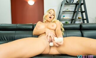 Katie Morgan Shows You Her Favorite Positions!
