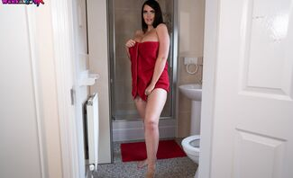 Secret Wanker Step-Sister Kylie K