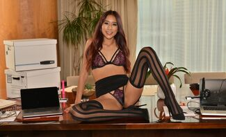 Vanessa Vox gives you a Cyber Monday FUCK in her office