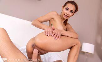 Sexy-Flexy Veronica Leal